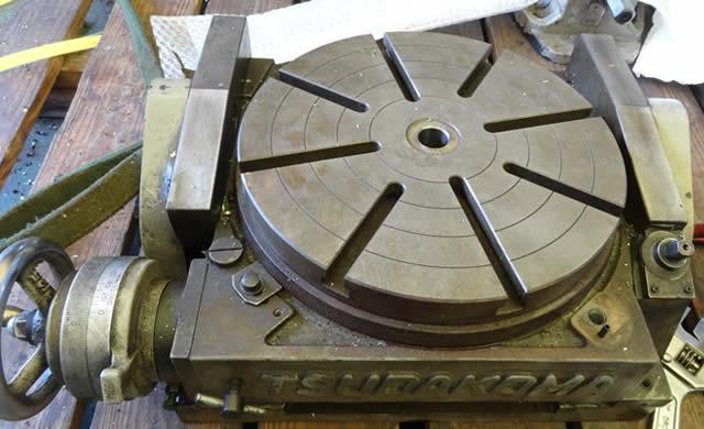 傾斜円テーブル TT300