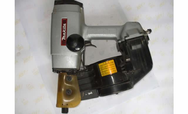 ロール釘打ち機 AN9000