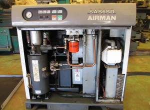 スクリューコンプレッサー AIRMAN SAS6SD